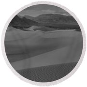 Death Valley Dunes Black And White Panorama Round Beach Towel