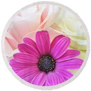 Delicate Contrast Round Beach Towel