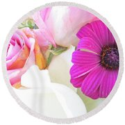 Delicate Intricate Round Beach Towel