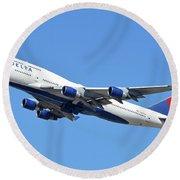 Delta Boeing 747-451 N667us Phoenix Sky Harbor October 7 2017  Round Beach Towel