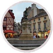 Dijon Fountain Round Beach Towel
