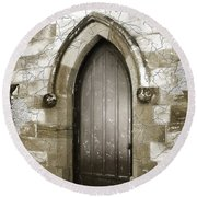 Do-00055 Chapels Door In Morpeth Village Round Beach Towel