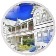 Do-00270 Dreamy Front Of Peppers Convent Round Beach Towel