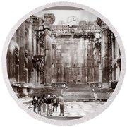 Do-00316 Inside The Temple Of  Bacchus - Baalbeck Round Beach Towel