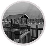 Dock At Mandarin Park Black And White Round Beach Towel
