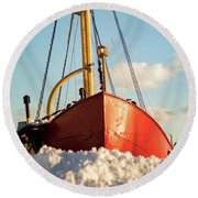 Docked At The Snowfront Round Beach Towel