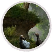 Dodos In The Forest Round Beach Towel