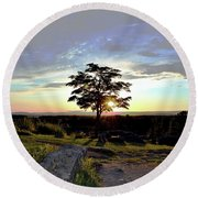 Dogwood On Little Round Top Round Beach Towel