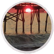 Don't Let The Sun Go Down On Me  Round Beach Towel