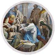 Dor�: Jesus Healing Sick Round Beach Towel
