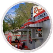 Dot's Diner In Bisbee Round Beach Towel