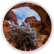 Double Arch Winter Round Beach Towel