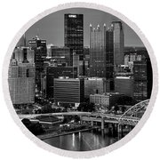 Downtown Pittsburgh At Twilight - Black And White Round Beach Towel