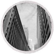 Downtown San Francisco Street View - Black And White 2 Round Beach Towel