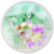 Dragonfly And Polka Dots Round Beach Towel