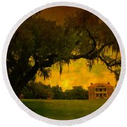 Drayton Hall Plantation In Charleston Round Beach Towel