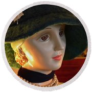 Dream Girl With Hat And Pearls Round Beach Towel