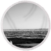 Driftwood On Arctic Beach Balck And White Round Beach Towel
