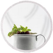 Drink With Leaves Of Mint And Cherries Round Beach Towel