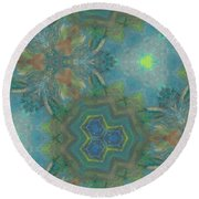 Drinking The Nectar Of Life Round Beach Towel
