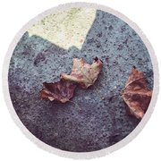 Dry Leaves Round Beach Towel