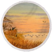 Duck Hunting Calls Round Beach Towel
