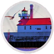 Duluth Lighthouse Round Beach Towel