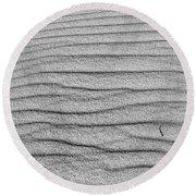 Dune Textures In Monochrome Round Beach Towel