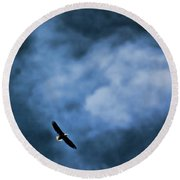 Eagle Over River And Shiloh Round Beach Towel