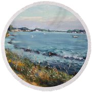 Early Evening At Gratwick Waterfront Park Round Beach Towel