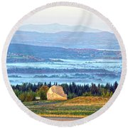 Early Morning At Sentinel Rock Round Beach Towel