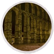 Early Morning At The Aqueduct Of Segovia Round Beach Towel