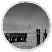 Early Morning Fog In The San Francisco Bay Round Beach Towel