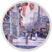 Early Morning On The Avenue In May 1917 - 1917 Round Beach Towel