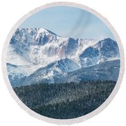 Early Morning Snow On Pikes Peak Round Beach Towel