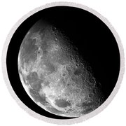 Earth's Moon In Black And White Round Beach Towel