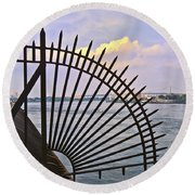 East River View Through The Spokes Round Beach Towel