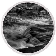 Eau Claire Dells Black And White Flow Round Beach Towel