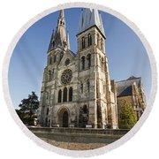 Eglise Notre - Dame En Vaux Round Beach Towel