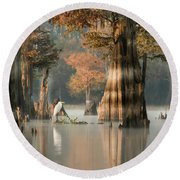Egret Enjoying Foggy Morning In Atchafalaya Round Beach Towel