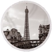 Eiffel Tower Black And White 3 Round Beach Towel