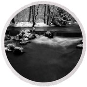 Eisbach In The Winter Round Beach Towel