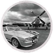 Eleanor Mustang With P51 Black And White Round Beach Towel