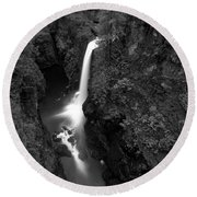 Elk Falls In The Canyon Black And White Round Beach Towel