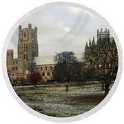 Ely Cambridgeshire, Uk.  Ely Cathedral  Round Beach Towel