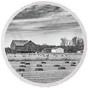 Emergence _ The Hues Of Spring Bw Round Beach Towel