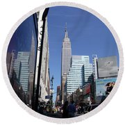 Empire State Of Mind In The Late Springtime Round Beach Towel