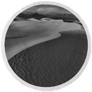 Endless Dunes Black And White Round Beach Towel