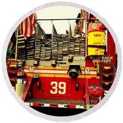 Engine 39 - New York City Fire Truck Round Beach Towel