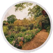 England - Country Garden And Flowers Round Beach Towel